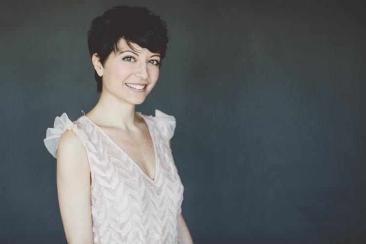 Italian female voice talent